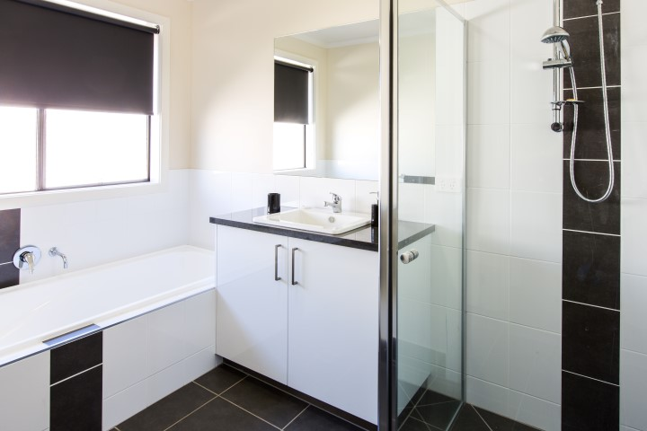 New Build Whenby Grange Wodonga Bathroom